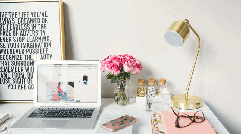 workstation with flowers - how to attract customers
